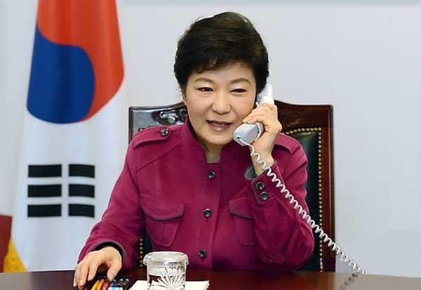 """【別にやらなくていいって言ってるのに】朴大統領ついに""""無条件降伏"""" 日中韓首脳会談を打診 「告げ口外交」破綻"""
