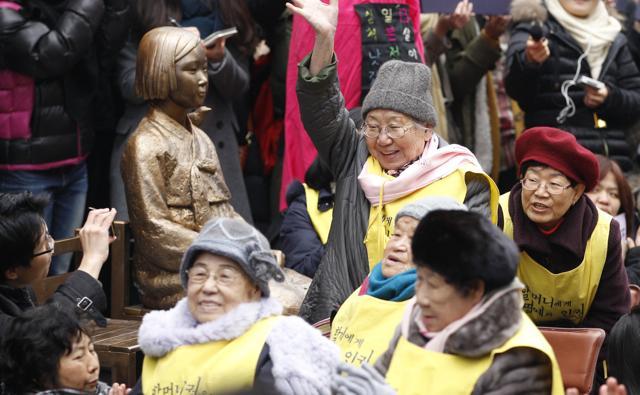 【ホント中身知らないのな韓国人w】『韓国』日本の市民団体が慰安婦強制連行の証拠を確認=韓国ネット「もう日本は降参すべきときでは?」「米国も日本も同類」